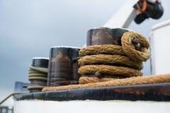 Веревочка на корабле стоковое изображение rf