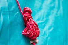 Веревочка на крупном плане шатра лагеря Стоковые Фото