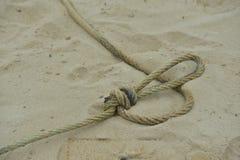 Веревочка на песке Стоковые Изображения RF