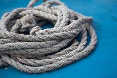 Веревочка на сини Стоковое Изображение