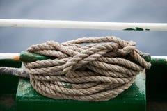 Веревочка на шлюпке Стоковые Изображения