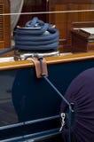 Веревочка на шлюпке Стоковое фото RF