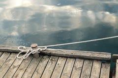 Веревочка связанная с узлом моря Стоковая Фотография RF