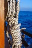Веревочка шлюпки с узлом Стоковые Изображения