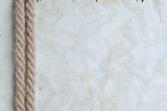 Веревочки и старая винтажная старая бумага Стоковые Фото