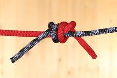 2 веревочки с узлом в середине Стоковое Изображение RF