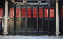 двери Китайск-стиля в городке Джордж, Малайзии Стоковая Фотография RF