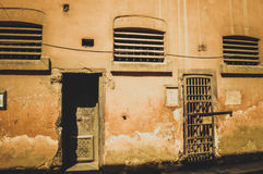 2 двери старой тюрьмы Стоковые Фотографии RF