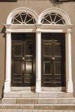2 двери сдобренных sepia грузинских Стоковые Изображения