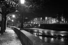 Верона, Италия, каменный мост, старый замок, панорамный взгляд Стоковые Фотографии RF