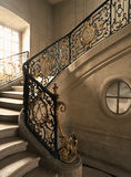 Версаль, Франция - 10-ое августа 2014: Мраморная лестница на дворце Версаль (замке de Версаль) Стоковое Изображение RF