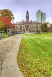 Вертикаль городской ратуши в Вустере, Массачусетсе стоковые фото