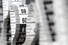 вертикаль завитая сантиметром Стоковая Фотография RF