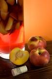 вертикаль sangria изображения персиков Стоковые Изображения