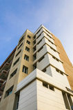 вертикаль skey bule здания Стоковые Фото