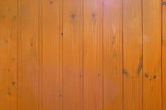 Вертикальная стена обшивая панелями деревянную текстуру Стоковая Фотография RF