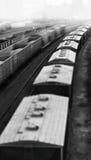Вертикальное черно-белое bokeh эшелона поезда игрушки Стоковые Изображения RF