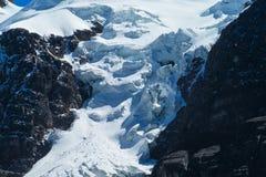 Вертикальный ледник горы Стоковые Фотографии RF