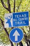 Вертикальный знак для следа страны холма Техаса Стоковая Фотография