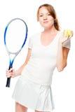 Вертикальный портрет девушки с шариком и ракеткой тенниса Стоковое Изображение