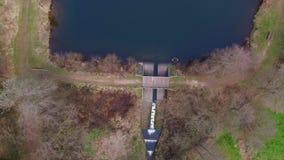 Вертикальный полет трутня на Eutersee сток-видео