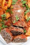 Вертикаль блюда сервировки Meatloaf Стоковые Изображения RF