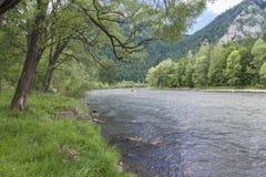 вертикаль реки панорамы горы 3 изображений hdr Стоковая Фотография