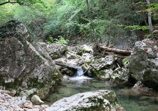 вертикаль реки панорамы горы 3 изображений hdr Стоковое Фото