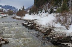 вертикаль реки панорамы горы 3 изображений hdr Стоковые Фото