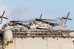 Вертолеты перехода подъема Sikorsky CH-53 тяжелые от морской пехот Соединенных Штатов Стоковая Фотография