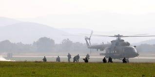 вертолет боя mi 17 действий Стоковые Изображения RF