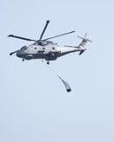 вертолет груза поднимая merlin Стоковая Фотография