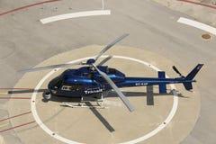 Вертолет контроля над трафиком стоковое изображение