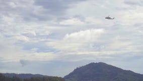 Вертолет перед приземляться акции видеоматериалы
