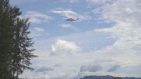 Вертолет перед приземляться сток-видео