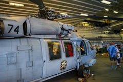 Вертолет Blackhawk на боксере USS Стоковая Фотография RF
