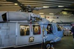 Вертолет Blackhawk на боксере USS Стоковое фото RF
