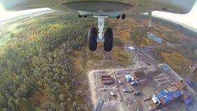 Вертолет mi 26 принимает от посадочной площадки сток-видео