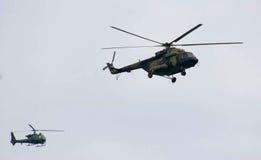 Вертолет во время военного парада Стоковые Изображения RF