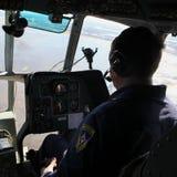 Вертолет министерства аварийных ситуаций экипажа Стоковое Изображение