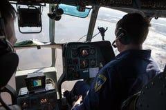 Вертолет министерства аварийных ситуаций экипажа Стоковое фото RF
