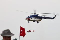 Вертолет MI-17 на СМЕЩЕНИИ 2015 Стоковое фото RF