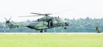 Вертолет NH90 посадки немецкой армии Стоковые Изображения RF