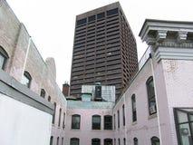 верхние части крыши офиса здания boston стоковое фото