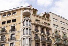 Верхние этажи жилого дома в Барселоне Стоковые Изображения RF