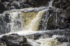 Верхний раздел водопада Kirkaig около Inverkirkaig в гористых местностях Шотландии Стоковое Изображение RF