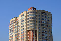 Верхний раздел здания мульти-этажа Стоковая Фотография