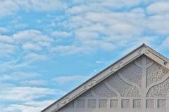 Верхняя линия формы и картины крыши дома стиля Арт Деко жилого стоковые фото
