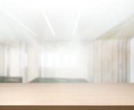 Верхняя таблица предпосылки в офисе Стоковая Фотография RF