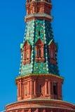 Верхняя часть башни Кремля украшенной с мозаикой Стоковое Изображение